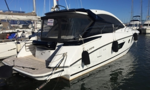Image of Beneteau Gran Turismo 40 for sale in France for €360,000 (£318,999) HYERES, France