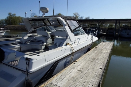 Trojan 10 Meter Mid-Cabin for sale in United States of America for $22,900 (£17,782)