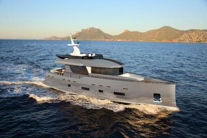 Bering 70 for sale in Turkey for $1,500,000 (£1,133,881)