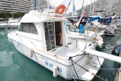 Beneteau Antares 9 for sale in France for €42,000 (£38,490)