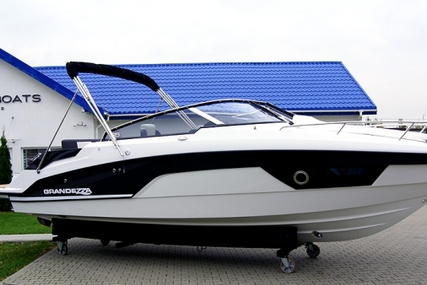 Sea Ray Grandezza 25 for sale in Poland for €93,855 (£82,743)