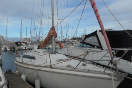 Jeanneau Aquila 27 for sale in France for €14,900 (£13,191)