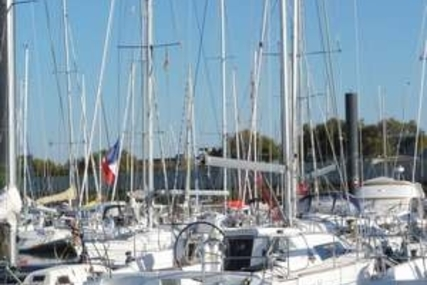 Beneteau Oceanis 34 for sale in France for €66,500 (£58,278)