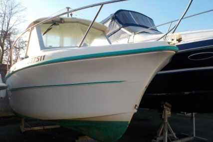 Ocqueteau 575 for sale in France for €8,000 (£7,142)