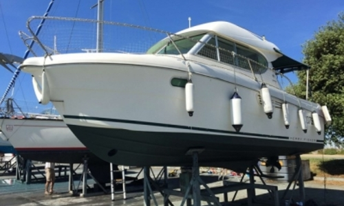 Image of Jeanneau Merry Fisher 805 for sale in France for €44,800 (£39,589) LA ROCHELLE, France