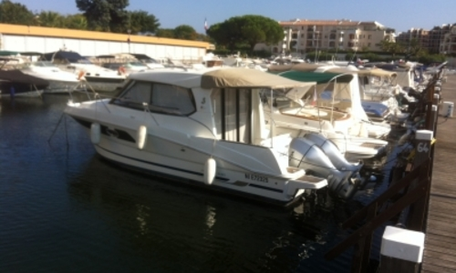 Image of Beneteau ANTARES 880 HB for sale in France for €72,000 (£63,415) MANDELIEU, France