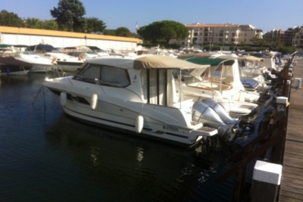 Beneteau Antares 880 HB for sale in France for €67,500 (£60,641)