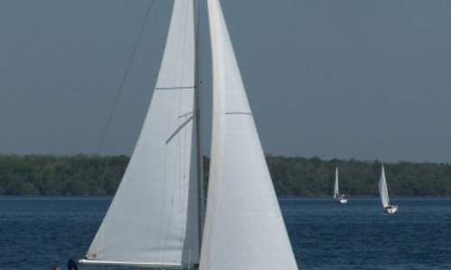 Image of Beneteau Oceanis 323 Clipper Shallow Keel for sale in France for €49,500 (£43,675) CANNES, France