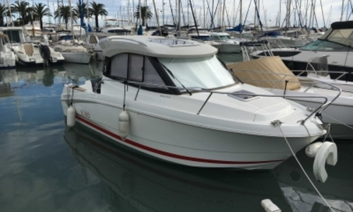 Image of Beneteau Antares 680 HB for sale in France for €35,000 (£30,699) SAINT LAURENT DU VAR, France