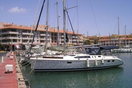 Hunter 376 for sale in Spain for €54,000 (£47,606)