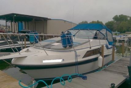 Carver 2757 Montego for sale in United States of America for $10,500 (£7,881)
