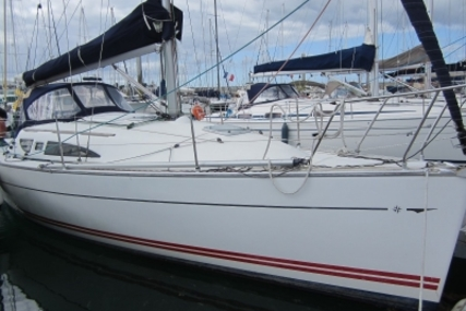 Jeanneau Sun Fast 32 I for sale in France for €35,900 (£32,050)