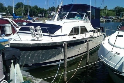 Chris-Craft 350 Catalina DC for sale in United States of America for $20,500 (£14,791)