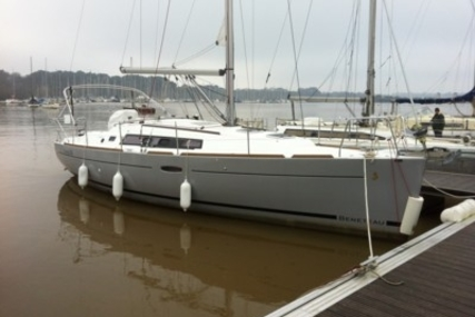 Beneteau Oceanis 34 Shallow Draft for sale in France for €92,000 (£82,138)