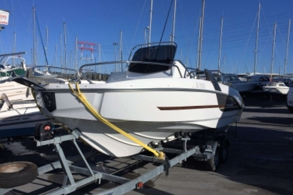 Beneteau Flyer 6 Sundeck for sale in France for €34,000 (£29,841)