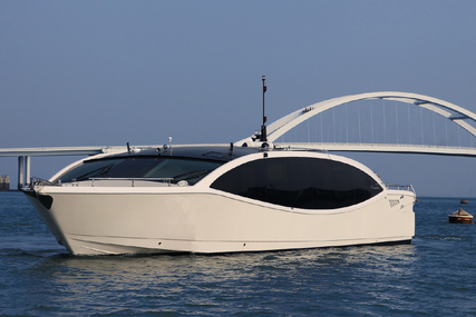 Acury MY 15 Lake for sale in United Arab Emirates for $528,000 (£433,993)