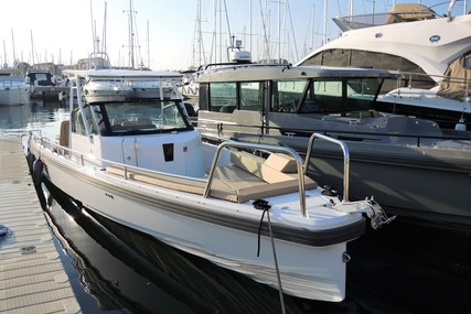 Axopar 28 T Top for sale in Spain for €109,950 (£95,693)