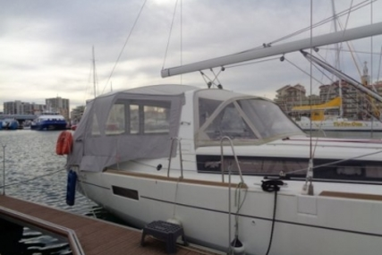 Beneteau Oceanis 41 Shallow Draft for sale in France for €169,000 (£149,474)