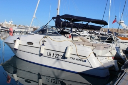 Four Winns Vista 258 for sale in France for €24,400 (£21,759)