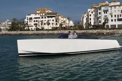 VanDutch 40 for sale in Spain for €315,000 (£277,704)