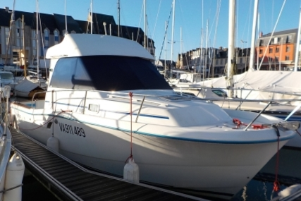 Beneteau Antares Serie 8 for sale in France for €24,900 (£22,230)