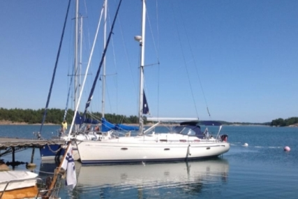 Bavaria 42 Cruiser for sale in Portugal for €98,000 (£87,130)