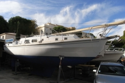 Westerly 33 Longbow Ketch for sale in France for €15,000 (£13,484)