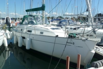 Beneteau Oceanis 36 CC for sale in France for €57,000 (£50,725)