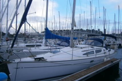 Jeanneau Sun Odyssey 35 for sale in France for €58,000 (£51,176)