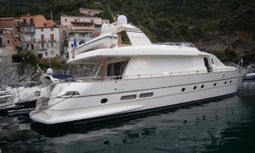Image of Canados 25 for sale in Italy for €490,000 (£433,394) Italy