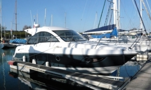 Image of Beneteau Gran Turismo 34 for sale in France for €126,500 (£111,362) IILE DE RE, France