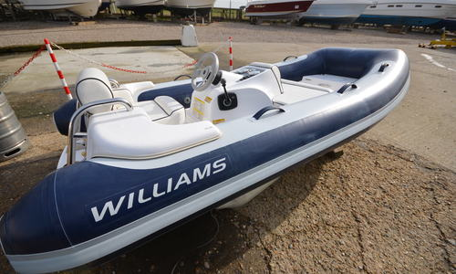 Image of Williams TurboJet 325 for sale in United Kingdom for £14,500 Boats.co. HQ, Essex Marina, United Kingdom