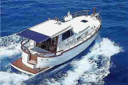 Menorquin 100 for sale in Italy for €145,000 (£128,859)