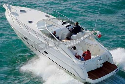 Cranchi Zaffiro 34 for sale in Italy for €135,000 (£119,402)