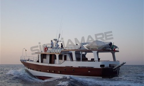 Image of Scirè Custom 21 for sale in Italy for €350,000 (£308,137) Italy