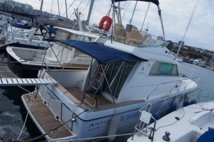 Beneteau Antares 10.80 for sale in France for €99,000 (£87,562)