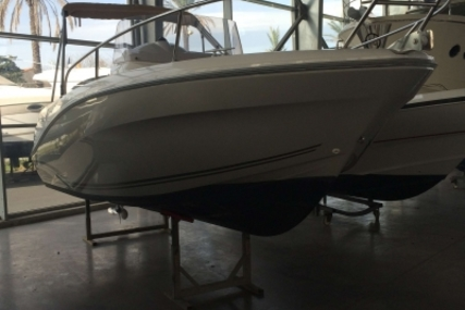 Jeanneau Cap Camarat 6.5 CC for sale in France for €29,900 (£26,383)