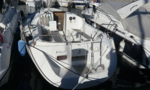 Image of Beneteau Oceanis 311 Clipper for sale in France for €35,000 (£30,812) BEAULIEU SUR MER, France