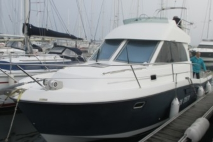 Beneteau Antares 9 Fly for sale in France for €57,000 (£50,850)