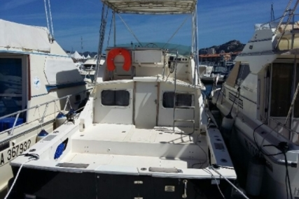 Bertram 28 for sale in France for €14,900 (£13,289)