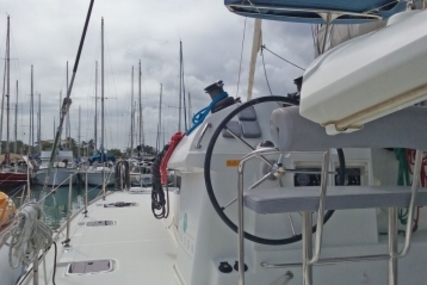 Lagoon 400 for sale in France for €215,000 (£190,345)