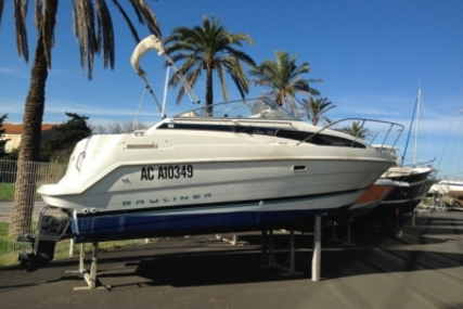 Bayliner 2355 Ciera for sale in France for €15,000 (£13,329)