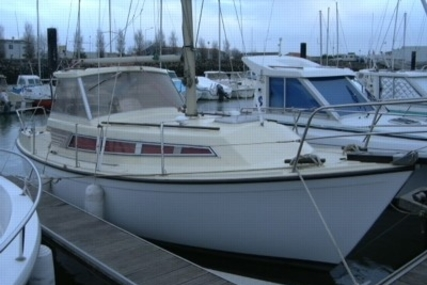 Beneteau Evasion 25 for sale in France for €8,500 (£7,581)