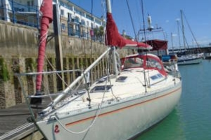 Beneteau First 30 E for sale in United Kingdom for £18,995
