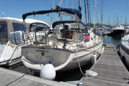 Island Packet 380 for sale in United Kingdom for £119,995