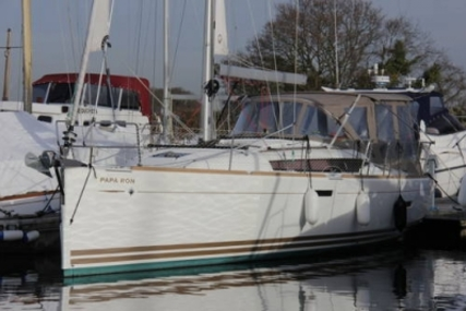 Jeanneau SUN ODYSSEY 379 LIFTING KEEL for sale in United Kingdom for £140,000