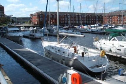 Beneteau Oceanis 411 for sale in United Kingdom for £60,000