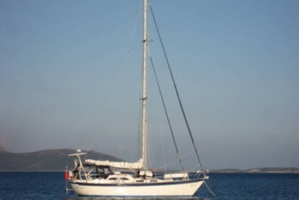Tayana 42 VANCOUVER CC for sale in Greece for €69,000 (£61,555)