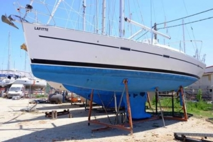 Beneteau Oceanis 393 for sale in Greece for £52,000