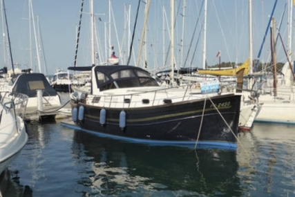 Menorquin 100 for sale in Greece for €144,950 (£130,155)